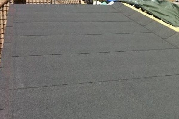 felted-flat-roof393E7A0B-F67E-E1F5-B490-706E498C984B.jpg